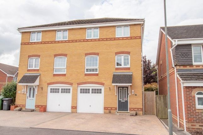 Thumbnail Town house for sale in Broadmere Road, Beggarwood, Basingstoke