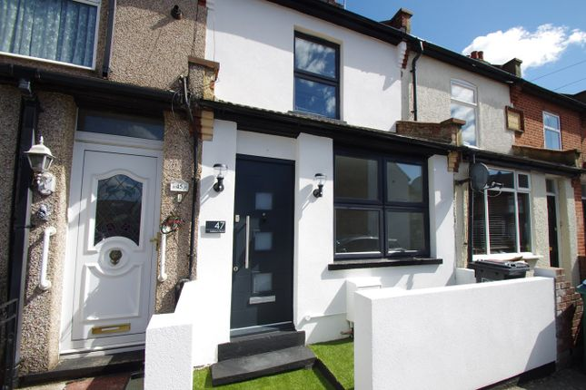 2 bed terraced house to rent in Salisbury Road, Watford WD24