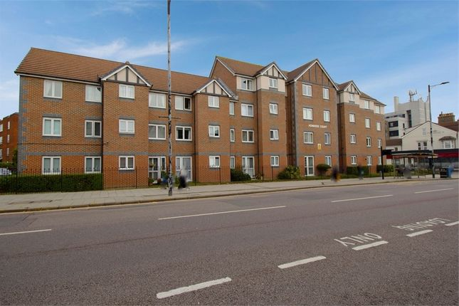 1 bed property for sale in Balmoral Road, Westcliff-On-Sea, Essex SS0