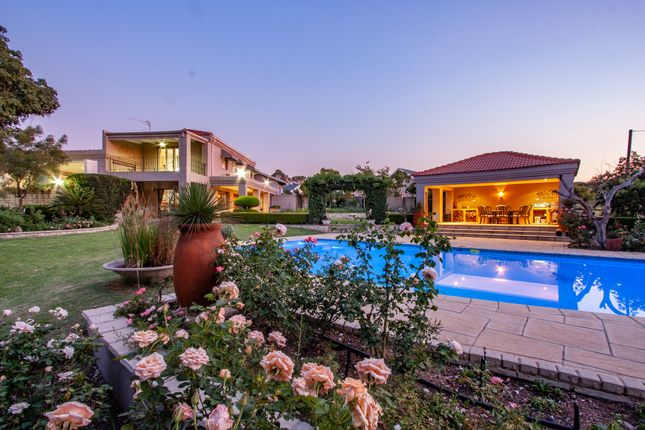 Country house for sale in 208, Jacaranda Road, South Africa