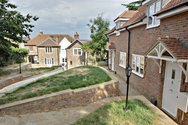 Thumbnail Flat for sale in High Street, Kings Langley