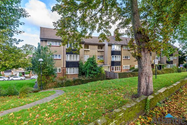 2 bed flat for sale in Bradwell House, The Drive, Walthamstow E17
