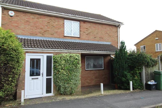 Thumbnail Property to rent in Weldon Close, Luton