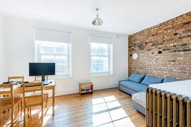 Flat for sale in Bell Street, London