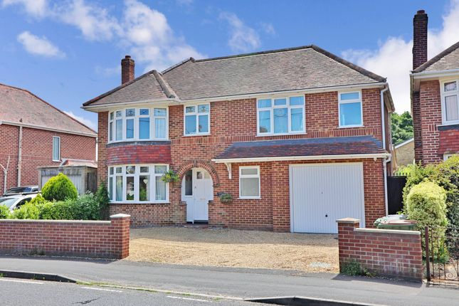 Thumbnail Detached house for sale in Station Road, Netley Abbey, Southampton