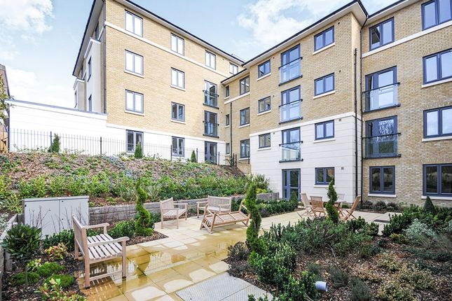 Thumbnail Flat for sale in Footscray Road, London