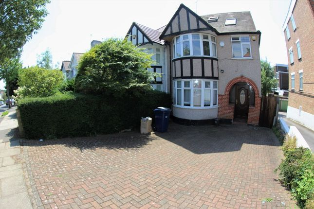 Thumbnail Semi-detached house to rent in Holders Hill Avenue, Hendon