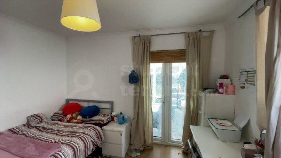 Thumbnail Shared accommodation to rent in Hook Road, Epsom, Surrey