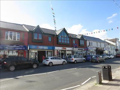 Office to let in First Floor, 124-128 High Street, Blackwood