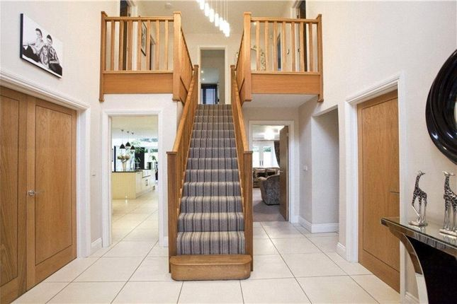 Thumbnail Detached house for sale in Heath Ride, Finchampstead, Wokingham