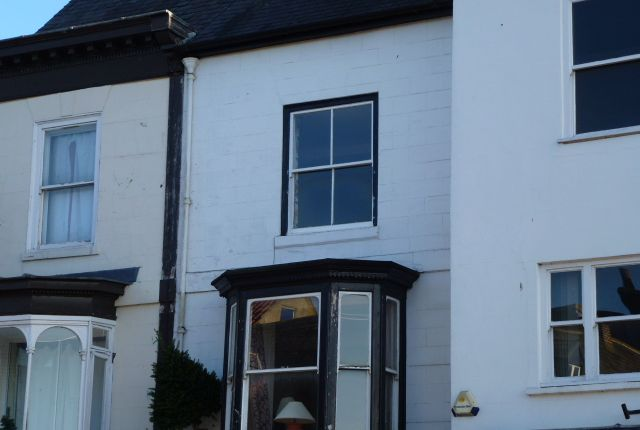 Thumbnail Flat to rent in Market Place East, Ripon