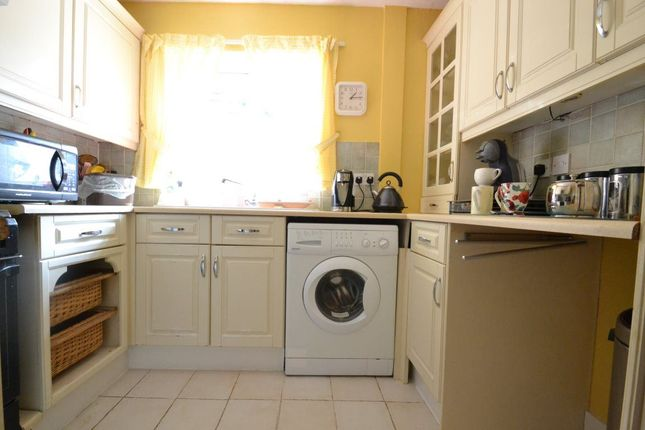 Thumbnail Bungalow to rent in Heron Gardens, Portishead, North Somerset