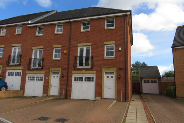 Thumbnail Town house for sale in Dalziel Place, Airdrie