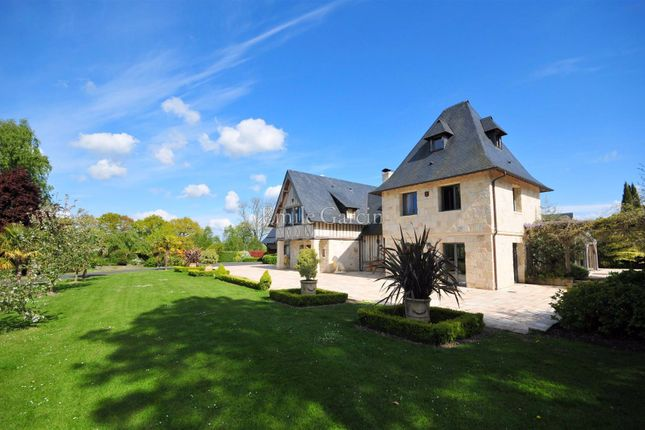 6 bed property for sale in 14800, Deauville, France