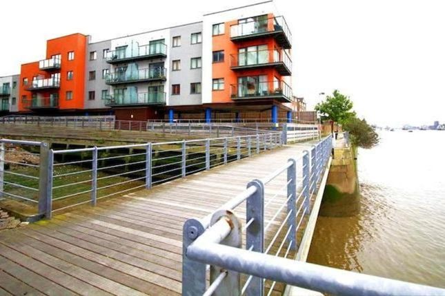 Thumbnail Flat to rent in Mast Quay, London