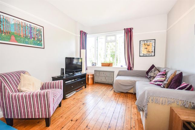 Thumbnail Flat for sale in Wyke Road, London