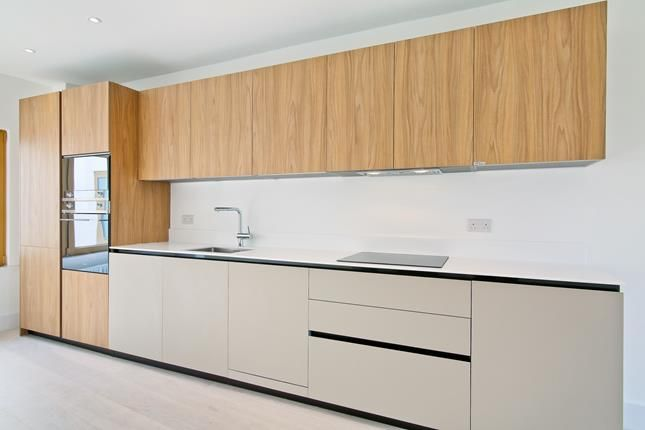 Thumbnail Flat for sale in Apt 6, Trinity Lofts, County Street, London