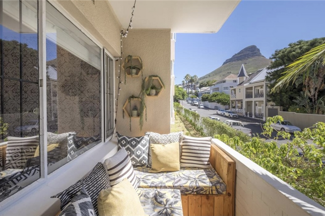 Thumbnail Apartment for sale in Cape Town, Western Cape, South Africa