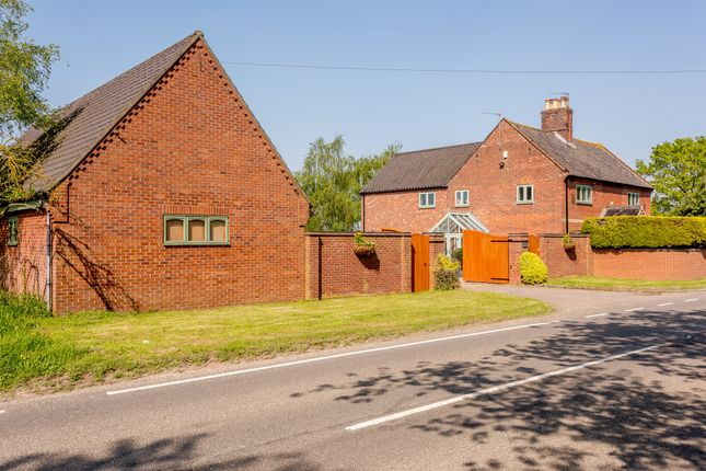 Thumbnail Detached house for sale in Flixton Road, Bungay