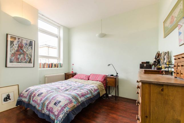 Thumbnail Flat for sale in Bethnal Green Road, Bethnal Green