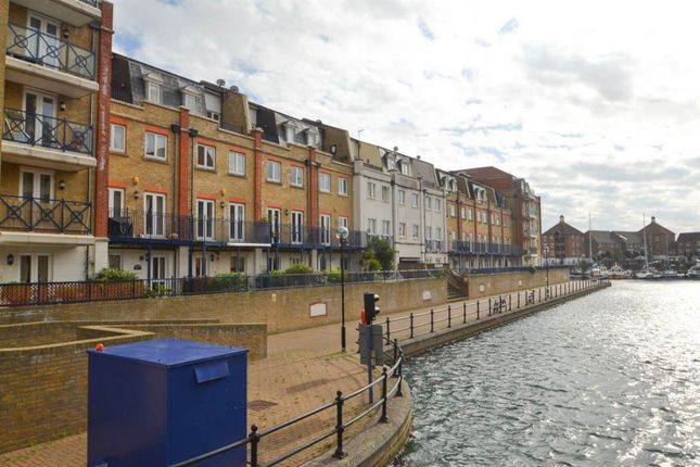 Thumbnail Property to rent in The Piazza, Eastbourne
