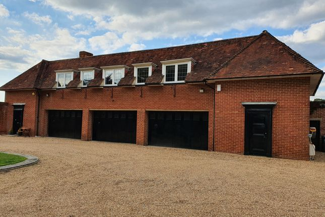 Thumbnail Detached house to rent in Outwood Lane, Bletchingley, Redhill
