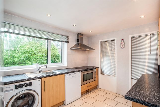 Thumbnail Maisonette for sale in White Hart Drive, Hemel Hempstead