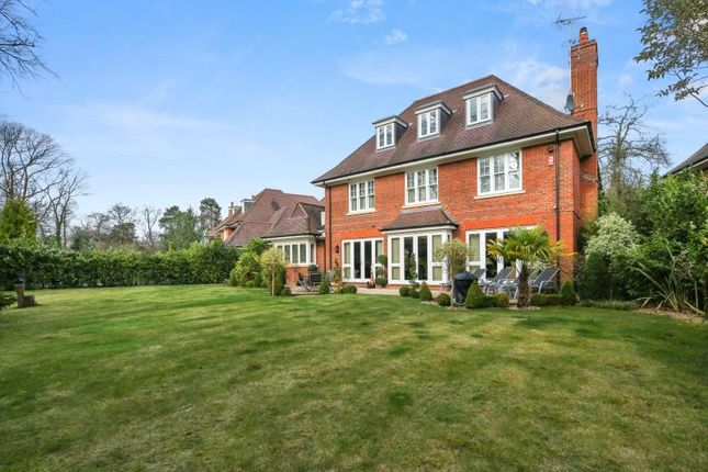 Thumbnail Property to rent in Burwood Road, Walton On Thames, Surrey