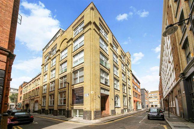 Thumbnail Flat to rent in Northburgh Street, London