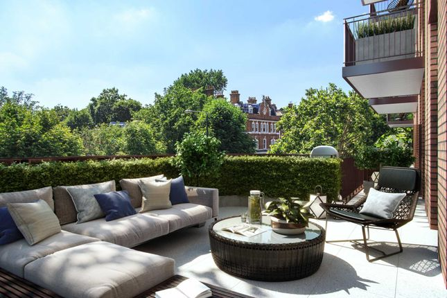 Thumbnail Flat for sale in Lyons Place, London