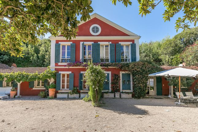 Villa for sale in Croix Des Gardes, French Riviera, France