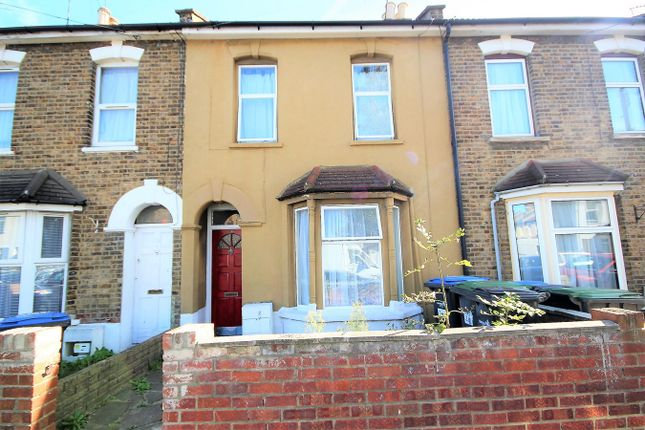 Thumbnail Terraced house for sale in Wellington Avenue, London