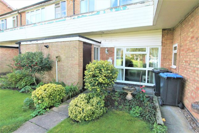 Thumbnail Flat for sale in Stonehill Drive, Great Glen, Leicester