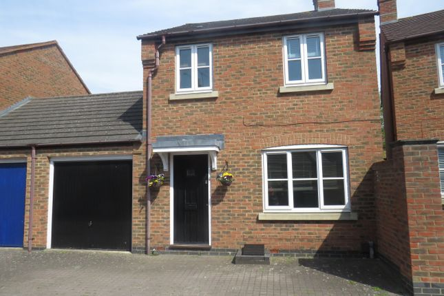 Thumbnail Link-detached house to rent in Shereway, Fairford Leys, Aylesbury