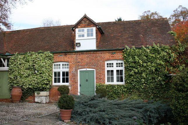 Thumbnail Cottage to rent in Sandleford Place, Newbury