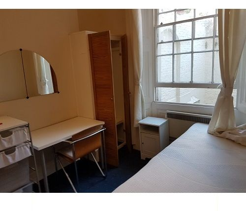 Studio to rent in Gloucester Place, Baker Street NW1