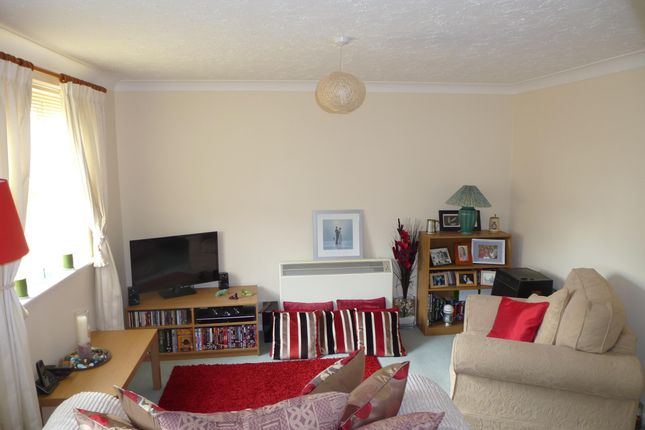 Thumbnail Property to rent in Rowe Mead, Pewsham, Chippenham