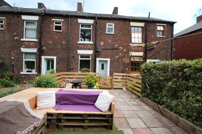 Picture No. 33 of Woodend, Shaw, Oldham, Greater Manchester OL2
