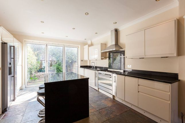 Thumbnail Property to rent in Clapham Road, Stockwell