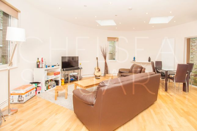 3 bed detached house to rent in Finchley Road, Hampstead