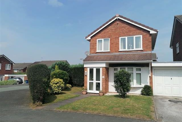 3 bed semi-detached house to rent in Badgers Way, Heath Hayes, Cannock WS12