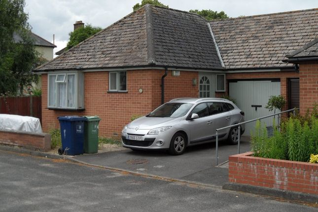 Thumbnail Semi-detached bungalow to rent in Bullstake Close, Oxford
