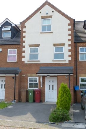 Thumbnail Town house to rent in Ashby Crescent, Scunthorpe