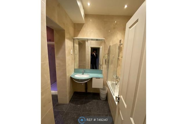 Badroom 1-2 of Woodfield House, Londonealing W5
