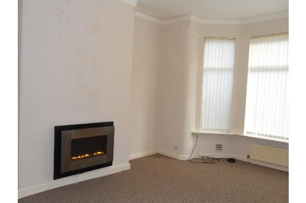 Thumbnail Flat to rent in Norman Terrace, Leeds