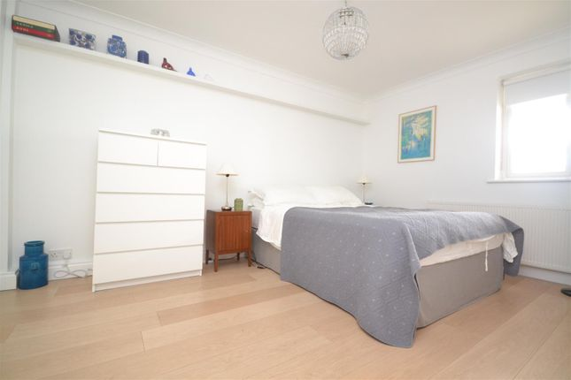 1 bed flat to rent in Northcote Road, St Margarets, Twickenham