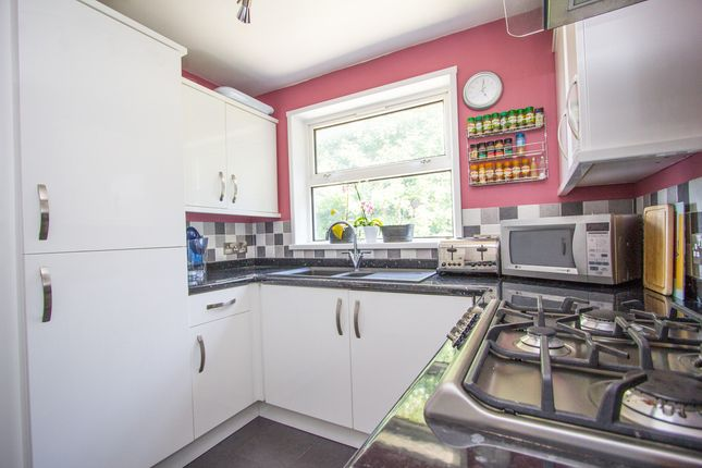 Thumbnail Flat for sale in Lipson Vale, Lipson, Plymouth