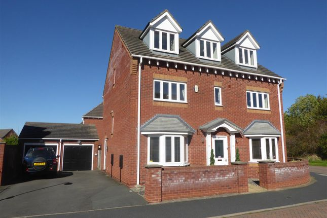 Thumbnail Detached house for sale in Dulwich Grange, Bratton, Telford