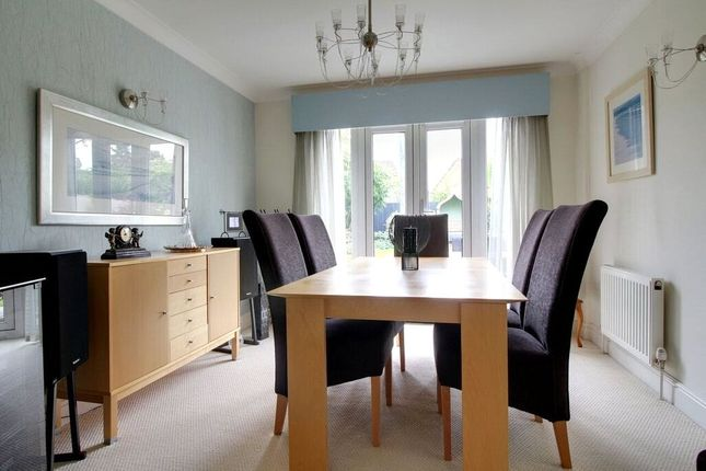 Picture No. 08 of Caribou Close, Woodley, Reading, Berkshire RG5