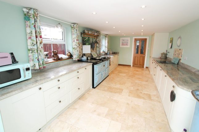 Thumbnail Terraced house for sale in Charles Street, Petersfield